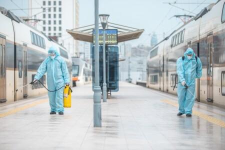 Qatarlar və stansiyalarda dezinfeksiya işləri davam etdirilir